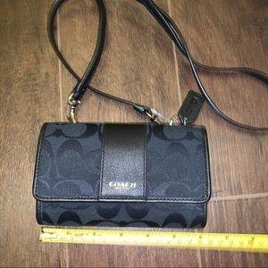Coach wallet in chain